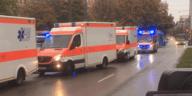 Rettungskräfte und Polizei nach Messerangriff am Rosenheimer Platz in München