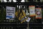 © Flüchtlinge willkommen! Schilder in London