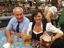 speanle aigner schottenhamel oktoberfest wiesn 2015, © Kultusminister Ludwig Spaenle mit Landwirtschaftsministerin Aigner