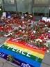 Anteilnahme vor dem französischen Konsulat nach den Anschlägen in Paris, © Hunderte Kerzen wurden vor dem französischen Konsulat abgelgt.