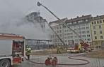Orleansstrasse feuer Ostbahnhof IHK - Drehleiter Löscharbeiten, © Foto der Berufsfeuerwehr München