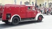 Altes Feuerwehrauto in Parade der Firetage