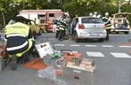 Die Feuerwehr musste einen Mann aus seinem Wagen schneiden, © Glück im Unglück, denn die Feuerwehr war sofort zur Stelle. Foto: Branddirektion München