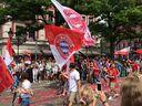 Politparade Christopher Street DAY (CSD) München 2016 - Queerpass vom FC Bayern