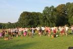 Trainieren in Tracht: Lederhosentraining im Englischen Garten in München bei bestem Wetter