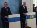 © Horst Seehofer (rechts) und Joachim Herrmann bei der Pressekonferenz zu der Gewalttat in München