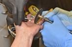 © Dir Frau musste mit Spezialwerkzeug aus dem Ring befreit werden - Foto: Berufsfeuerwehr München