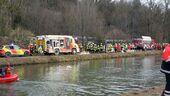 Retter vor Ort nach Zugunglück Bad Aibling, © Hunderte Rettungskräfte versuchten zur Unfallstelle vorzudringen.