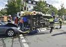 Unfall mit umgekipptem Rettungswagen, © Foto der Berufsfeuerwehr München