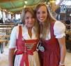 """Wiesn-Promis auf dem Oktoberfest 2017:, © Sandra mit Brigitte Walbrun (Schauspielerin) im Festzelt """"Zur Schönheitskönigin"""""""